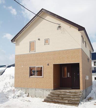 壁をうまく使った家