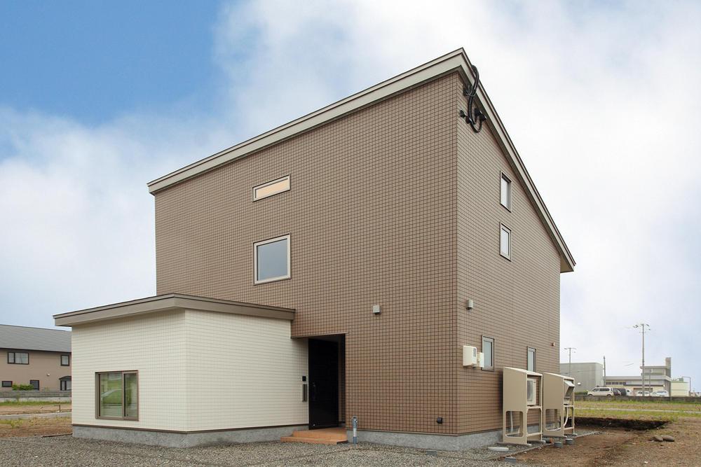 太陽光搭載の家計と環境に優しい家