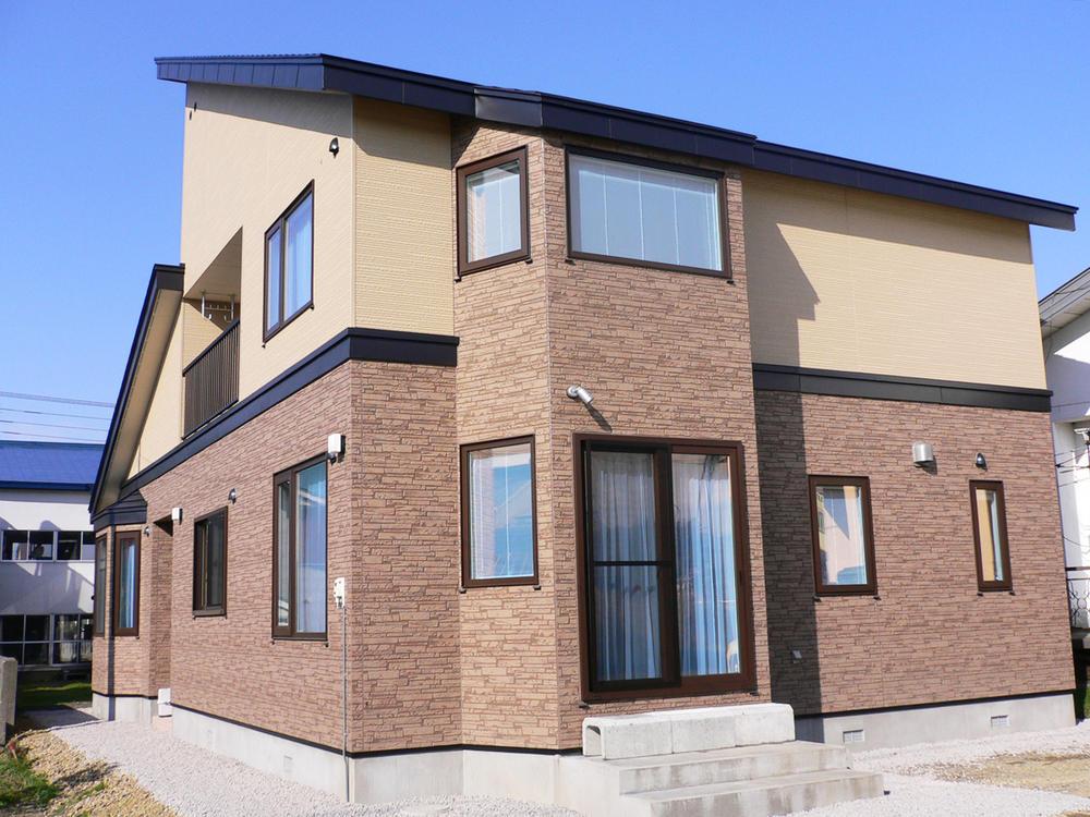 採光たっぷりデザイン住宅