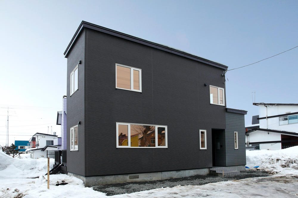 豊富な収納でスッキリ片付く家
