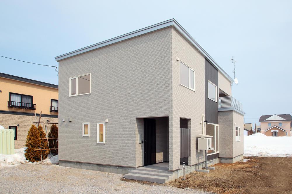 回遊動線の開放的な家